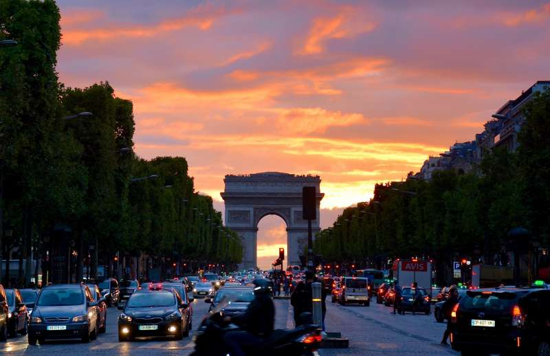 arc-de-triomphe-architecture-cars