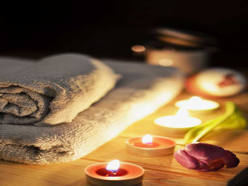 bathroom-beauty-salon-candlelight