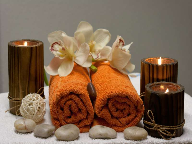 massage-chaude-bougie-parfumee